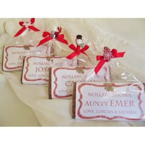 christmas-red-frame-personalized-chocolate-bar-1-500x500